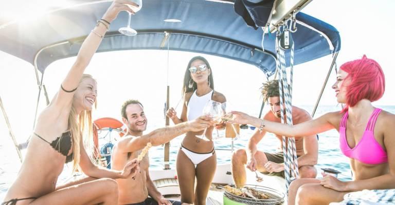 Met vrienden op een boot
